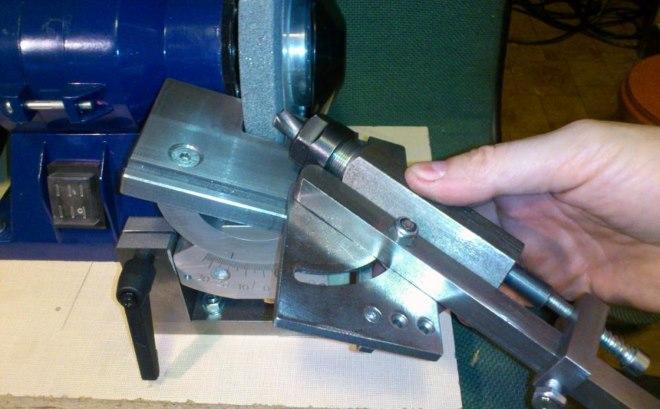Как заточить сверло по металлу: угол заточки, основные правила