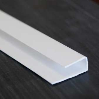 Как установить пластиковые уголки на откосы окна из ПВХ