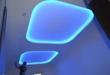 Как сделать подсветку светодиодной лентой внутри натяжного потолка своими руками
