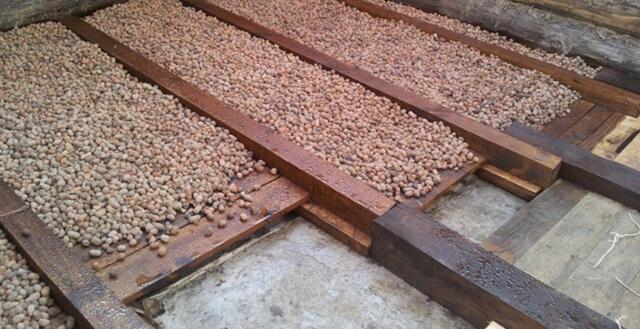 Как утеплить пол керамзитом: утепление под стяжку, какой керамзит лучше в деревянном доме, как утеплитель по грунту, какой слой нужен по лагам, сколько нужно, фото и видео