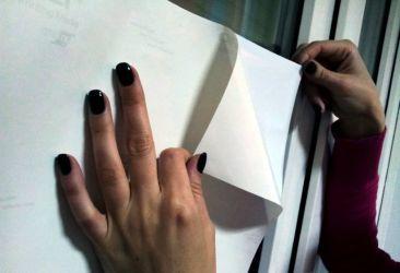 Как обклеить стол самоклеющейся пленкой: пошаговая инструкция