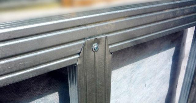 Виды металлического профиля: особенности, применение материала для различных целей